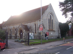 Christ Church, Malling Road, Snodland, Kent: cc-by-sa/2.0 - Copyright by Richard Dorrell - geograph.org.uk/p/665722